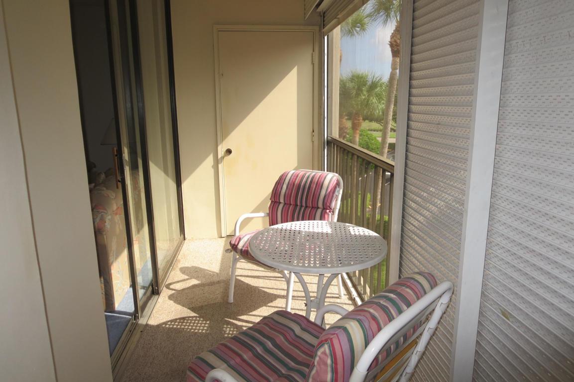 5370 Las Verdes Circle 321 Delray Beach, FL 33484 photo 6