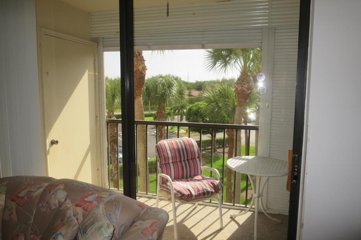 5370 Las Verdes Circle 321 Delray Beach, FL 33484 photo 12