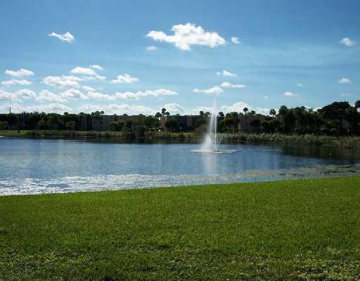 5370 Las Verdes Circle 321 Delray Beach, FL 33484 photo 14