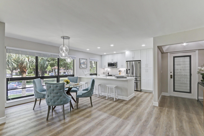 206 Brackenwood Terrace 206, Palm Beach Gardens, Florida 33418, 2 Bedrooms Bedrooms, ,2 BathroomsBathrooms,F,Condominium,Brackenwood,RX-10659682