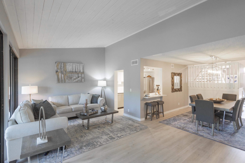 205 Old Meadow Way, Palm Beach Gardens, Florida 33418, 3 Bedrooms Bedrooms, ,3 BathroomsBathrooms,F,Townhouse,Old Meadow,RX-10652870
