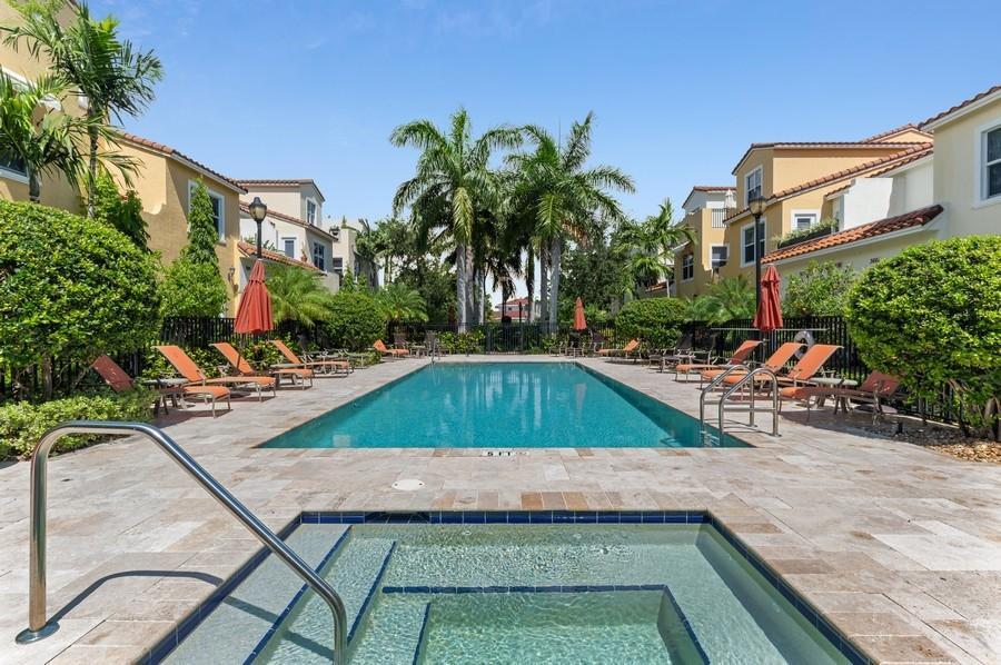 3658 Voaro Way West Palm Beach, FL 33405