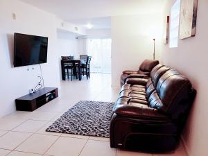3810 N Jog Road 106 For Sale 10660140, FL