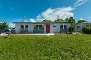 2590 N Seacrest Boulevard  For Sale 10660385, FL