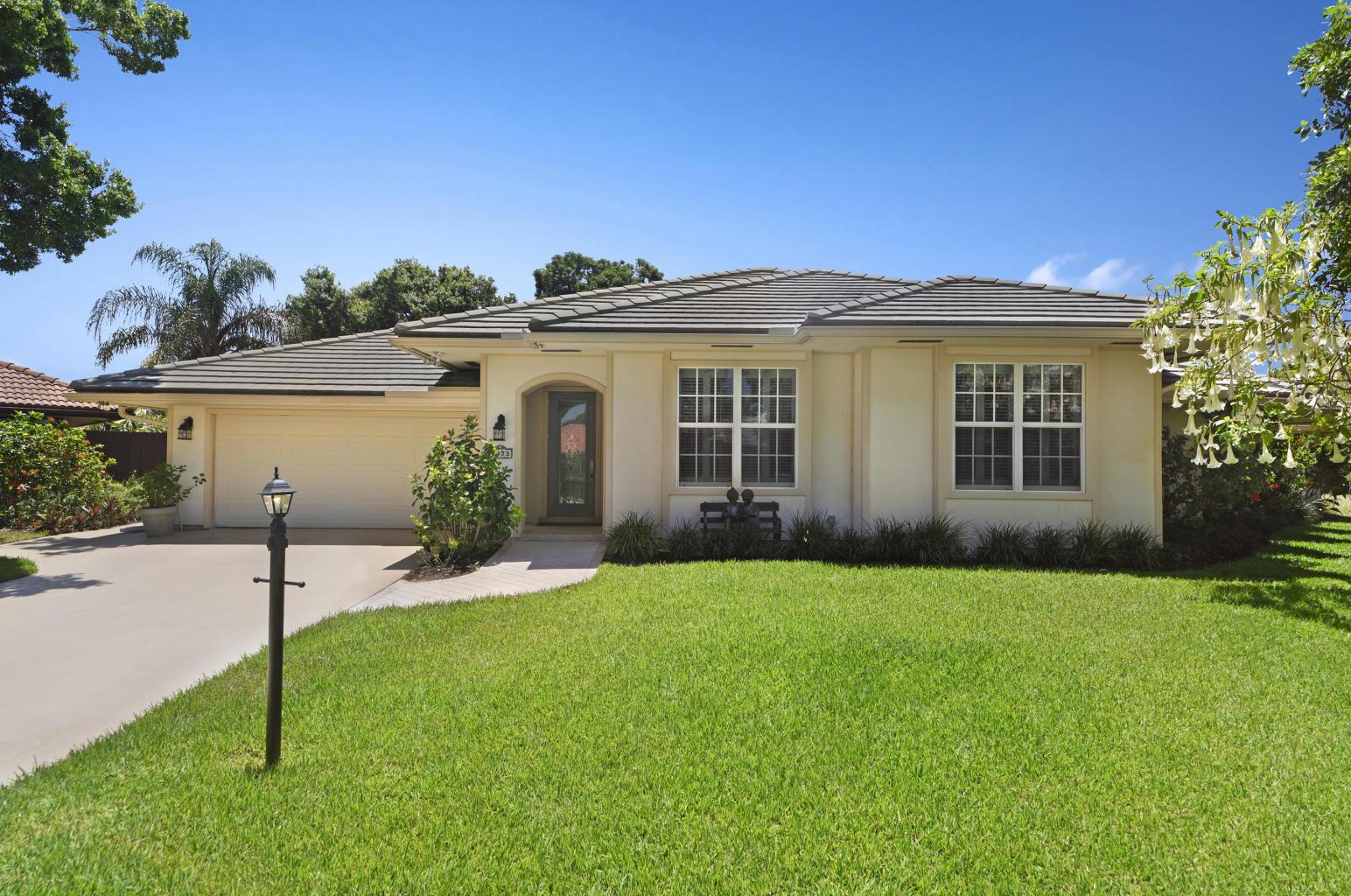 1053 Shady Lakes Circle S Palm Beach Gardens, FL 33418