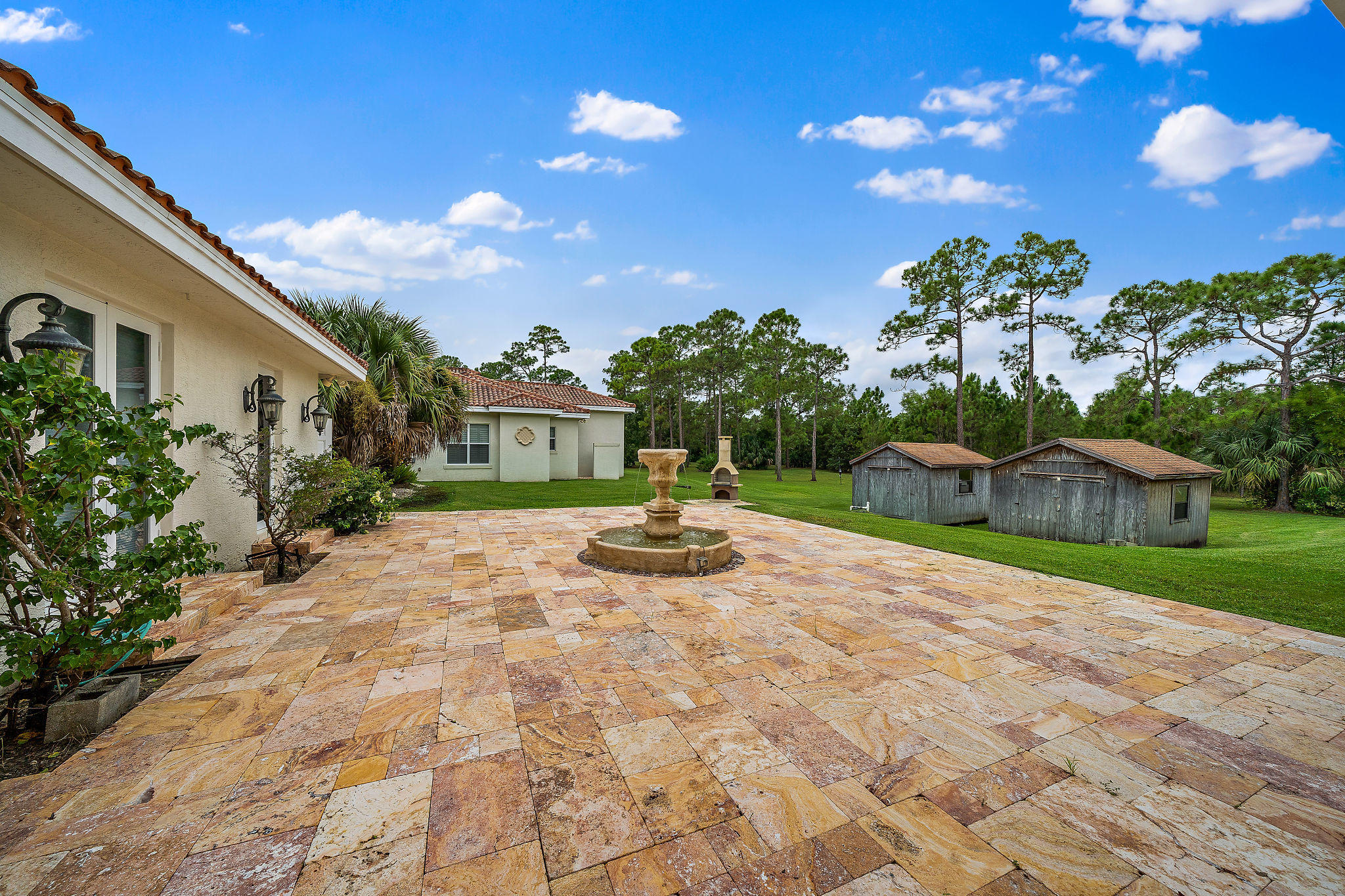 Add'l Patio with Fountain & Fire Pit