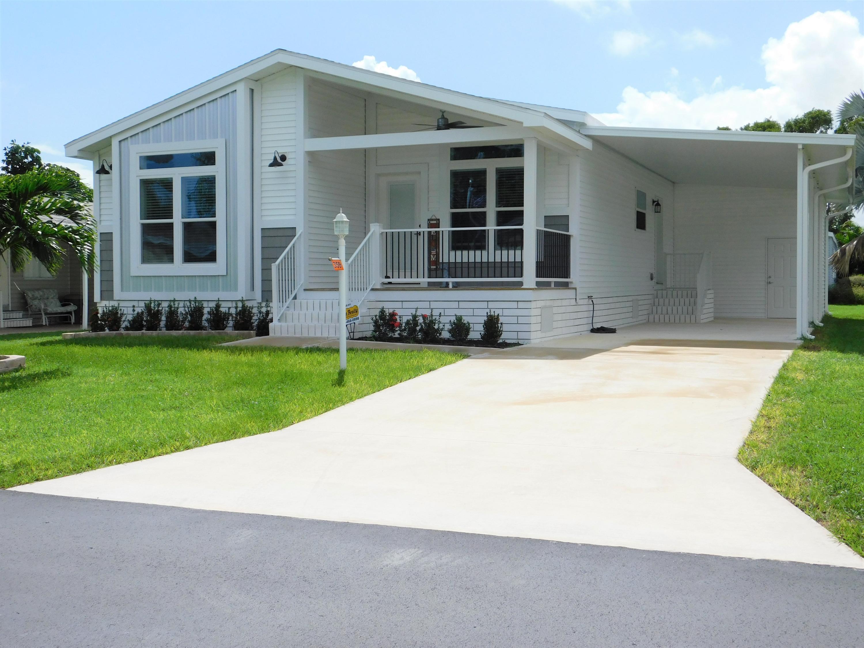 Photo of 359 Tropical Isles Circle, Fort Pierce, FL 34982