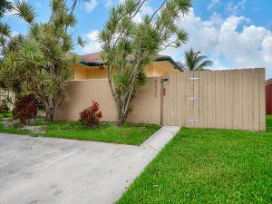 4826  Luqui Court  For Sale 10661054, FL
