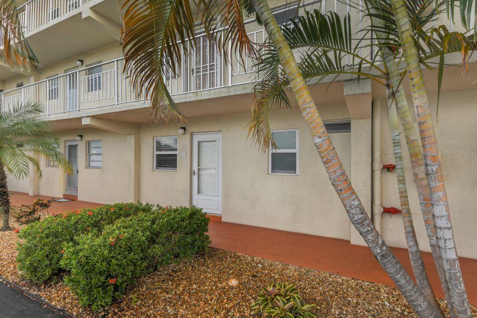 130 NE 26th Avenue 106 Boynton Beach, FL 33435 photo 2