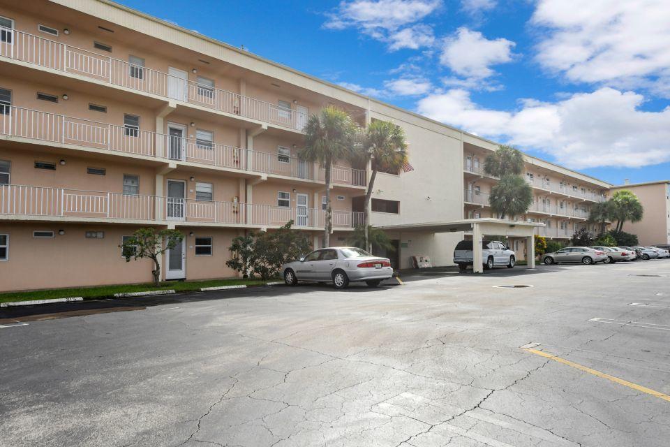 130 NE 26th Avenue 106 Boynton Beach, FL 33435 photo 21