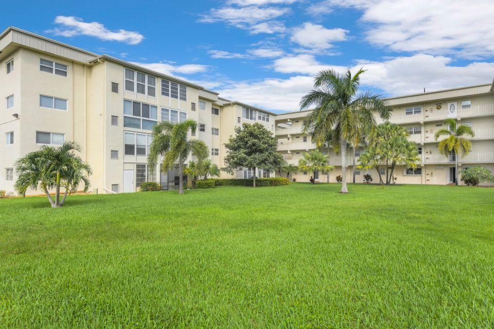 130 NE 26th Avenue 106 Boynton Beach, FL 33435 photo 1