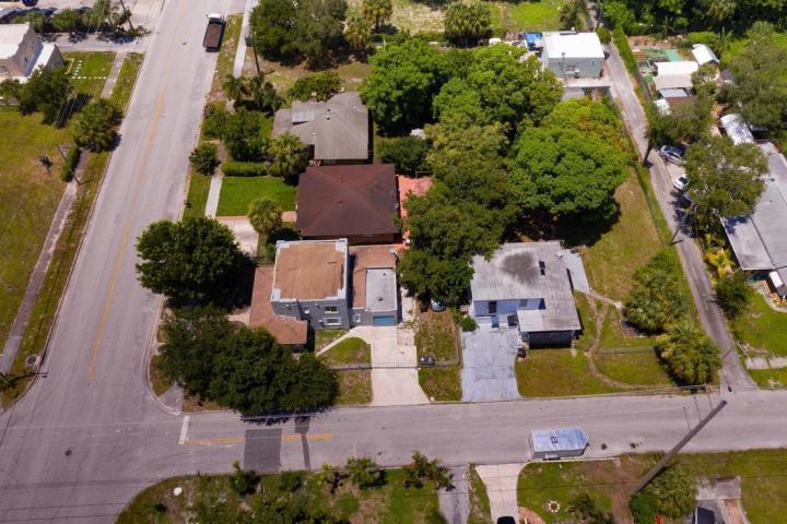 1720 Mercer Avenue West Palm Beach, FL 33401 photo 4