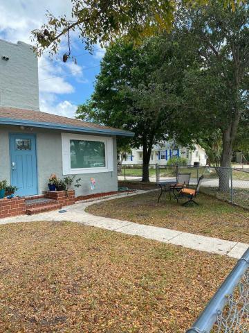 1720 Mercer Avenue West Palm Beach, FL 33401 photo 18
