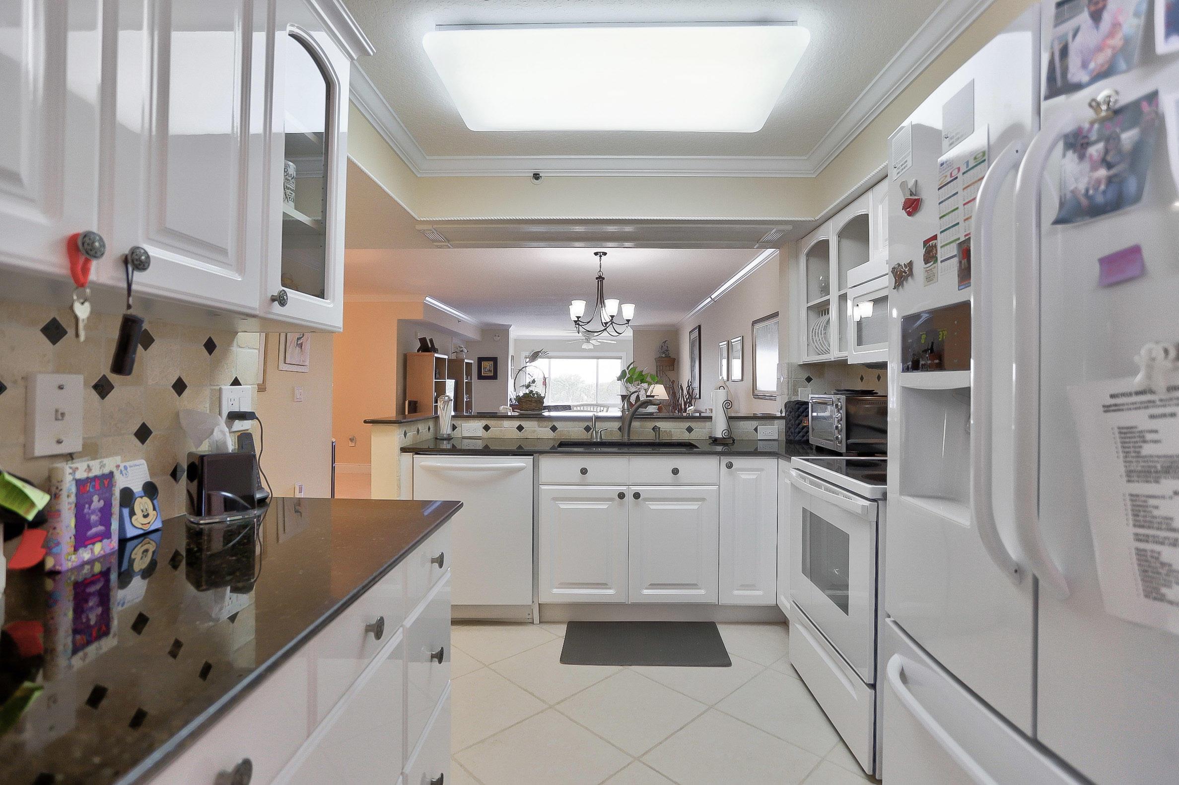 5842 Crystal Shores Drive 405 Boynton Beach, FL 33437 photo 9