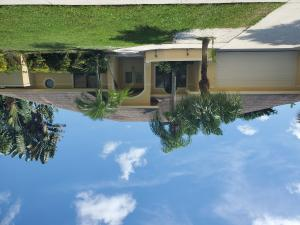 1858  Staimford Circle  For Sale 10662044, FL