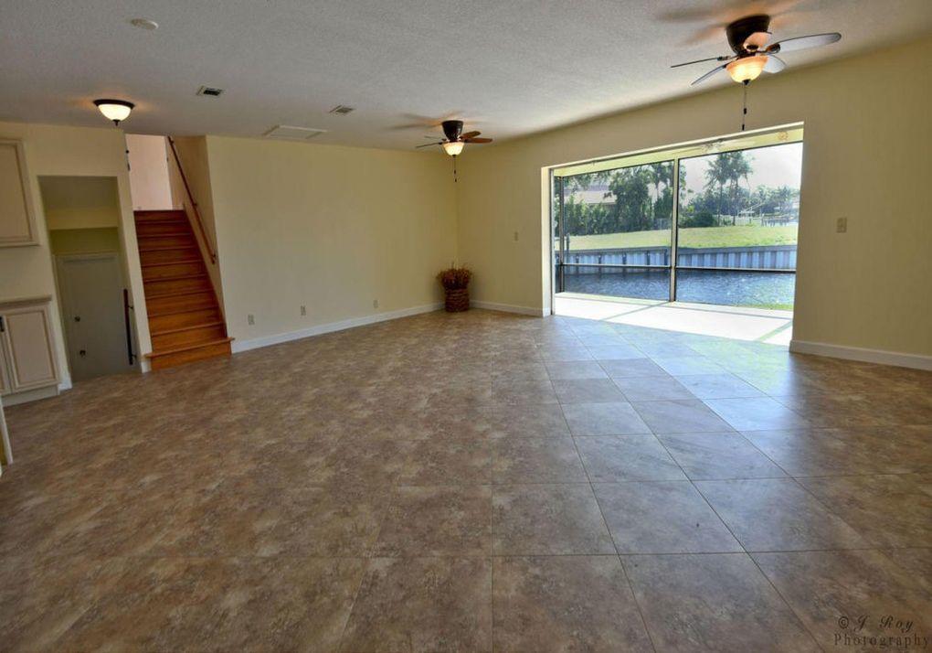 12900 Living room