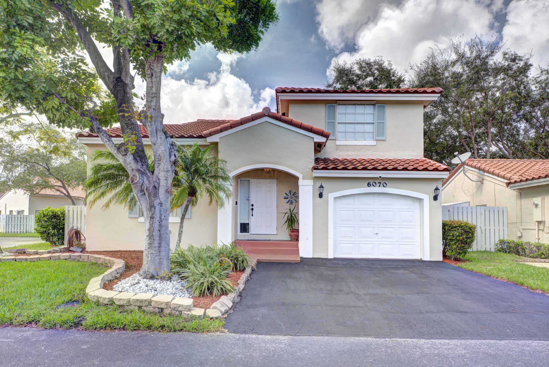 Home for sale in WINSTON PARK SEC 3 Coconut Creek Florida