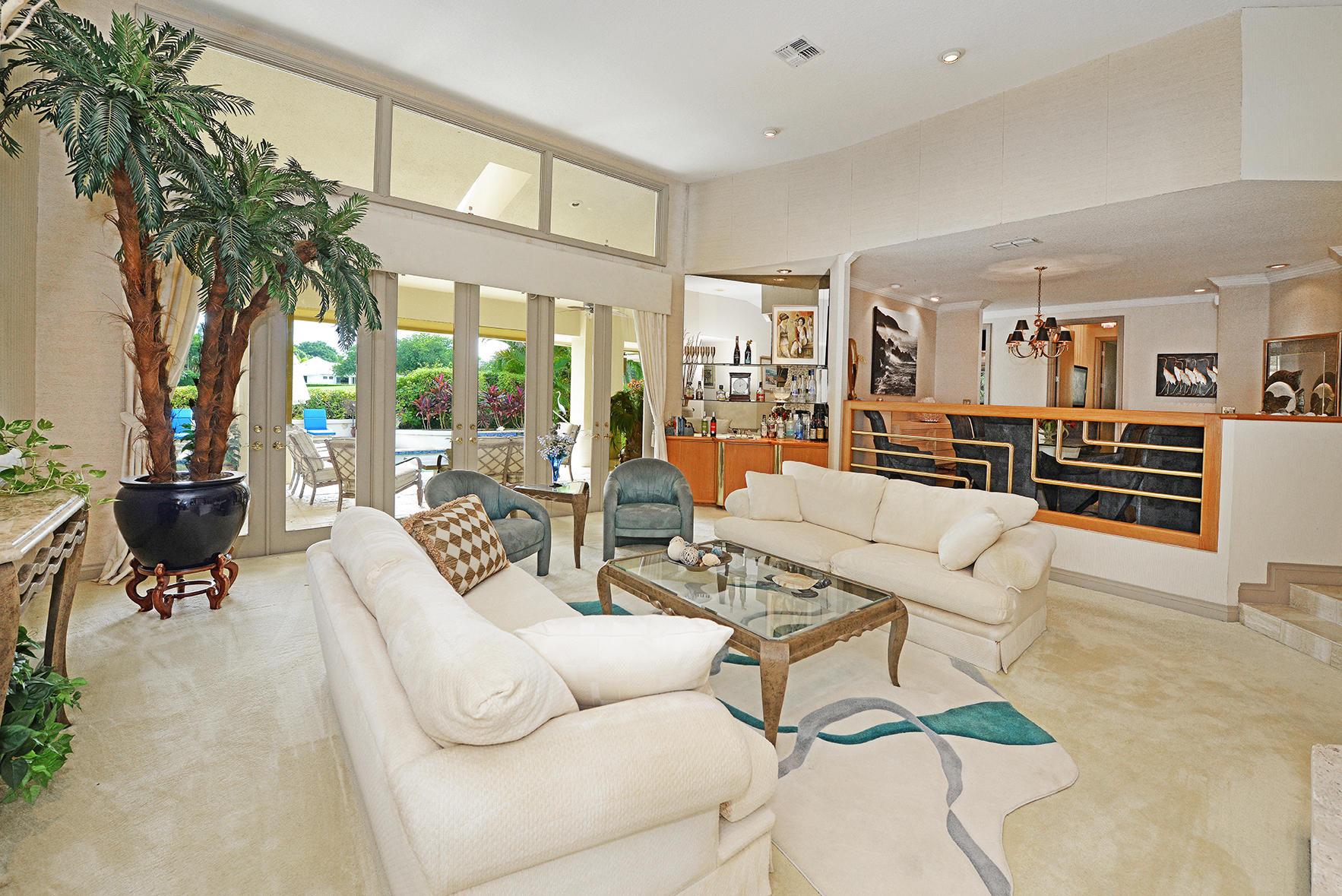 Living Room w/ Golf Course Views