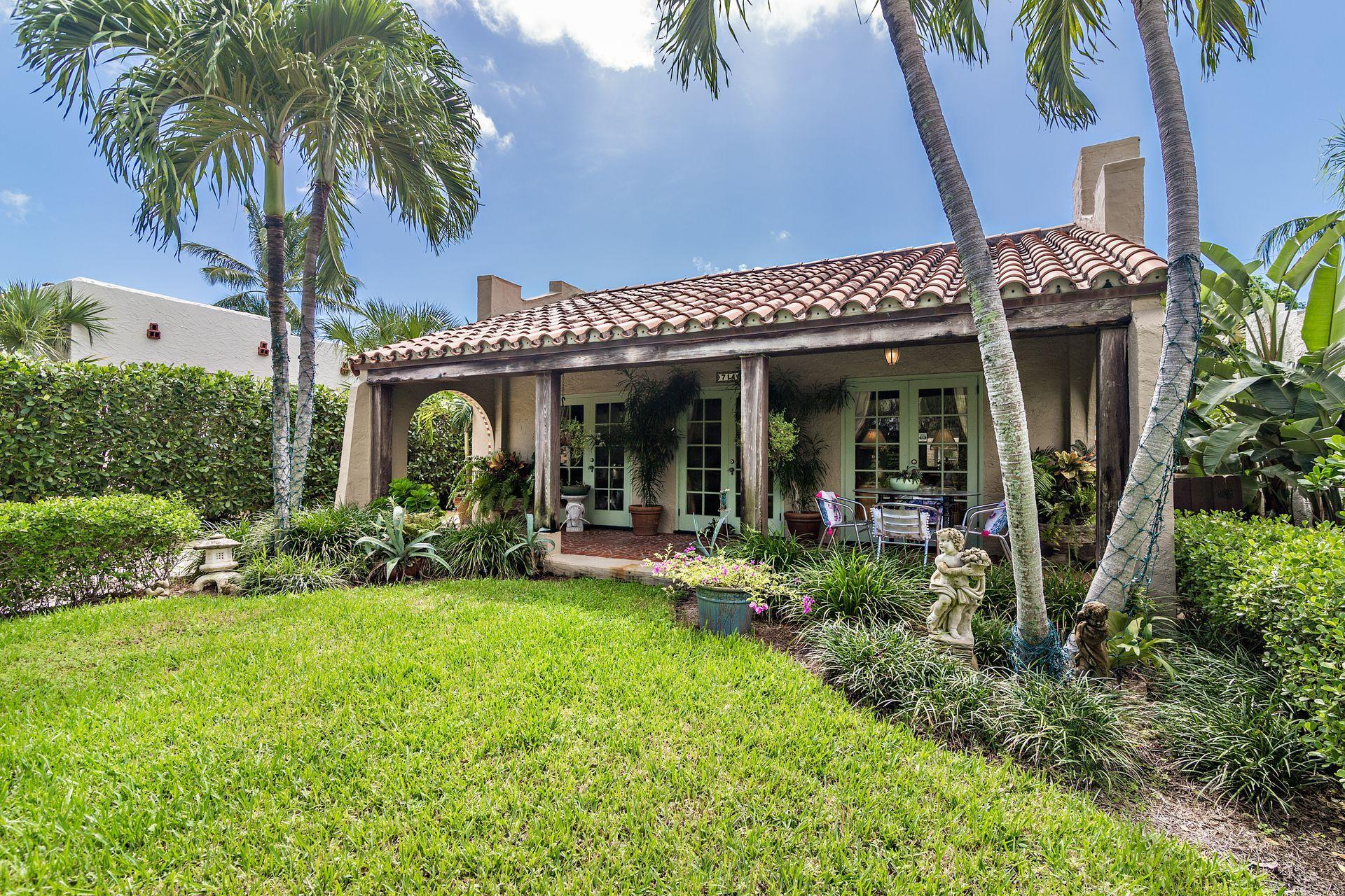 714 Biscayne Drive West Palm Beach, FL 33401 small photo 1