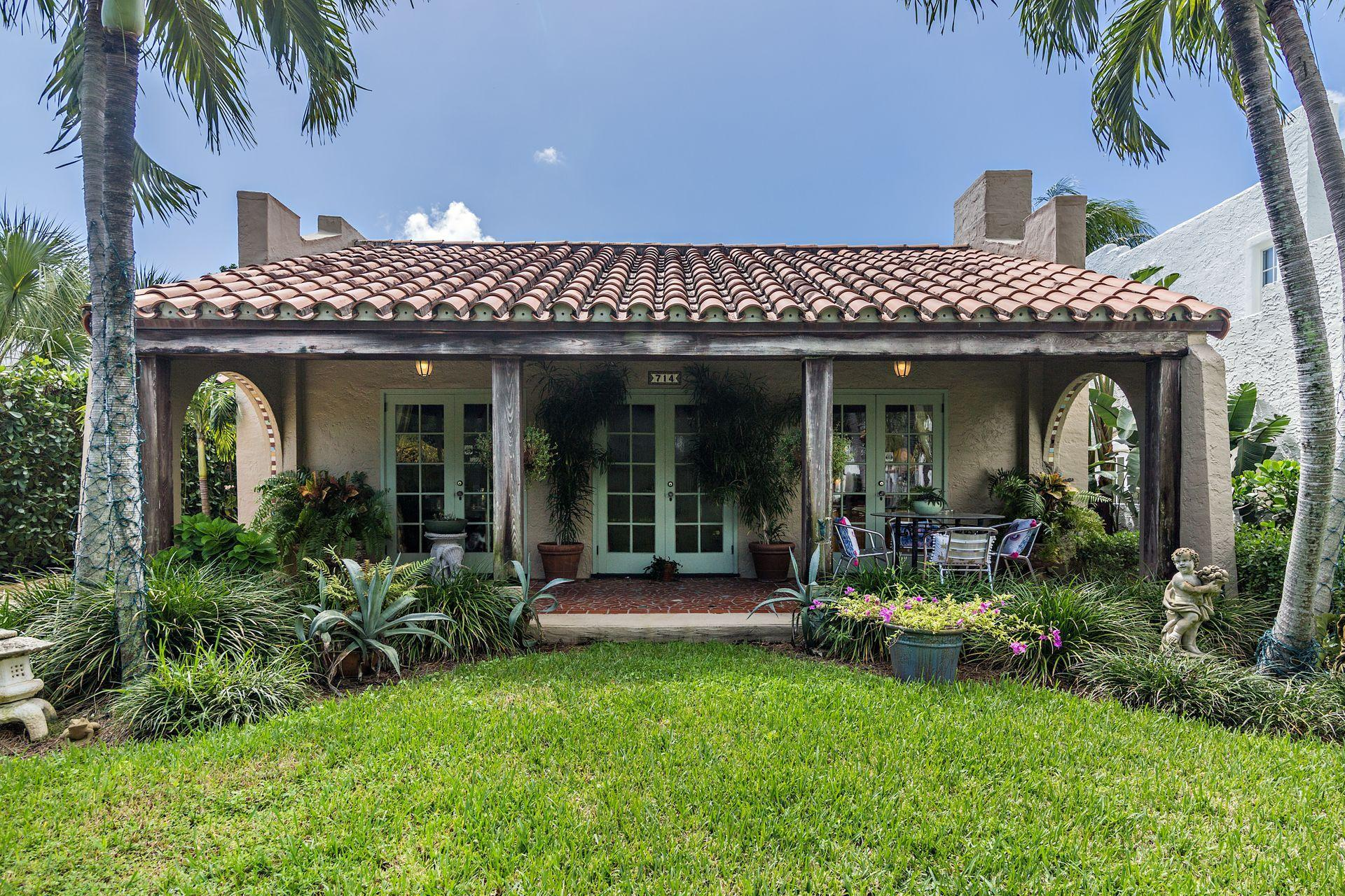 714 Biscayne Drive West Palm Beach, FL 33401 small photo 2