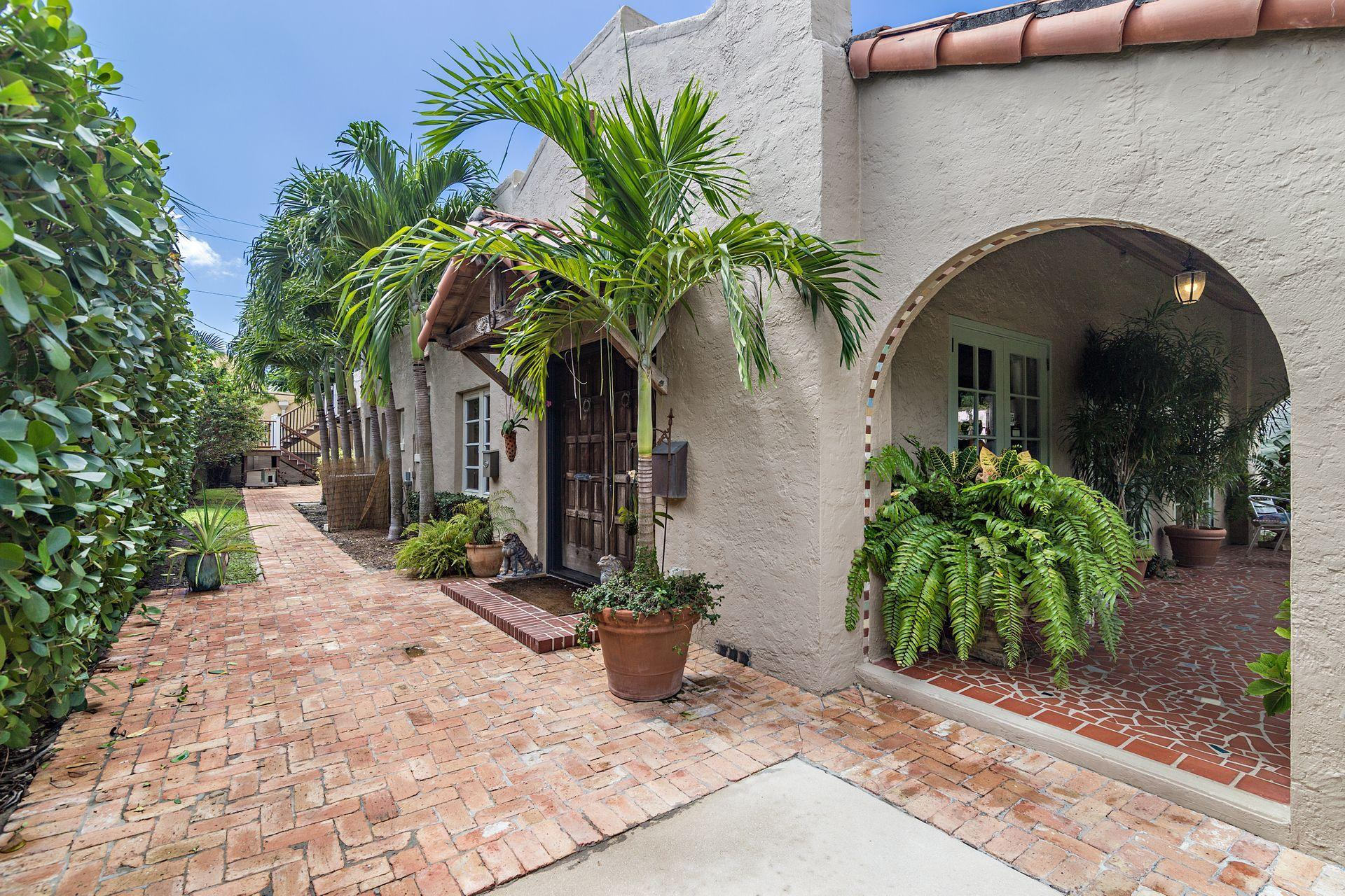 714 Biscayne Drive West Palm Beach, FL 33401 small photo 5