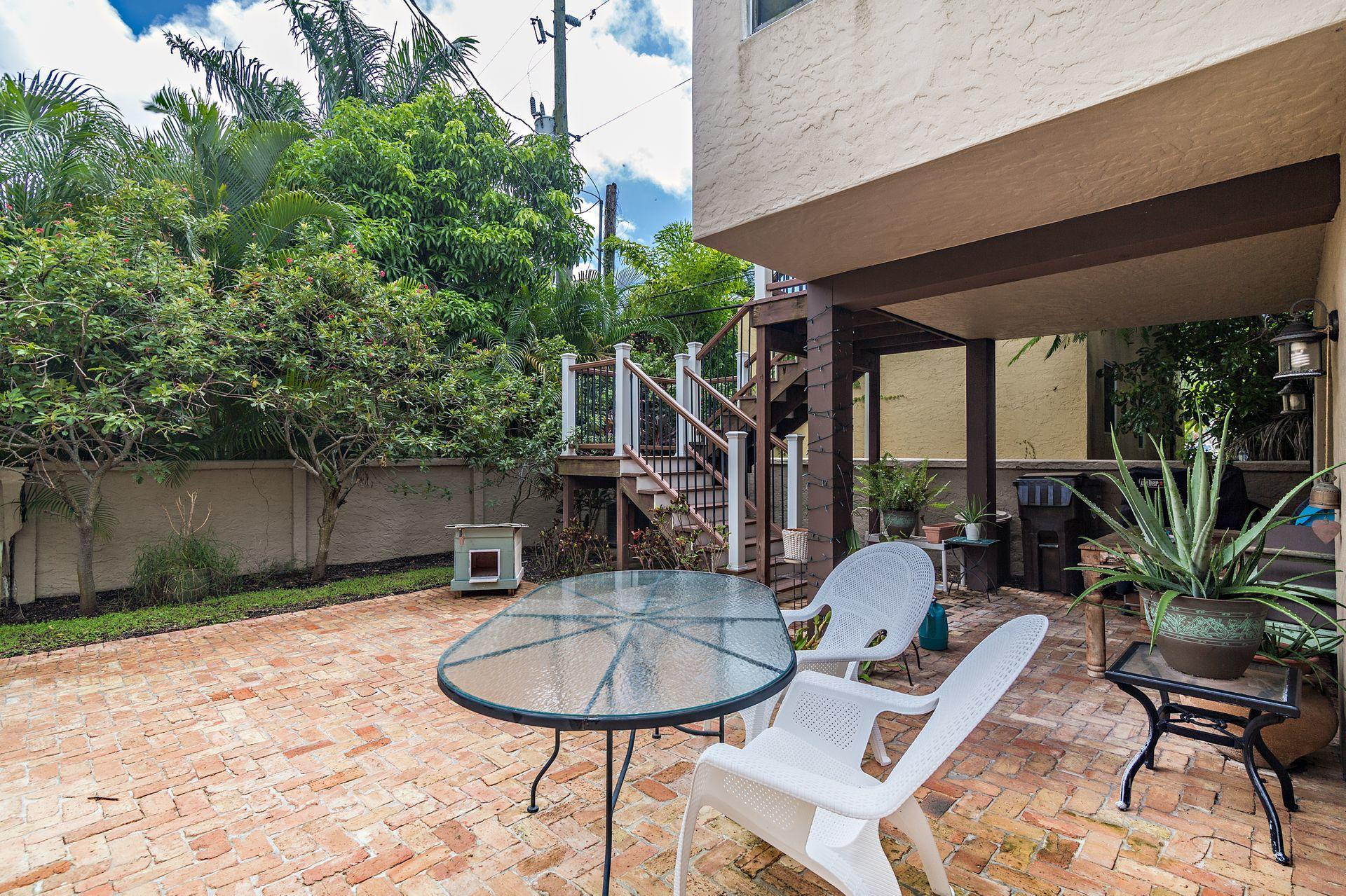 714 Biscayne Drive West Palm Beach, FL 33401 small photo 19