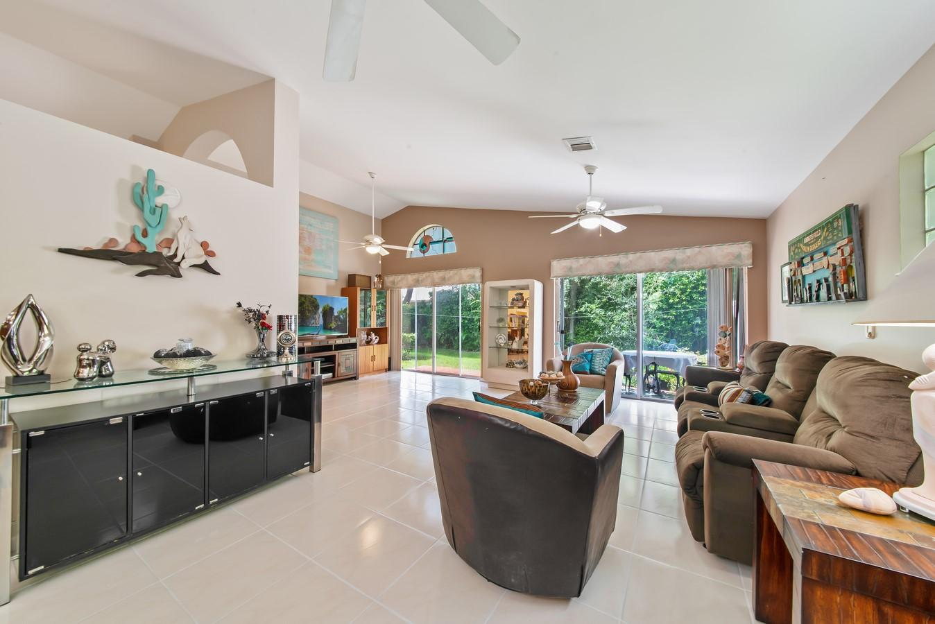 9810 Harbour Lake Circle Boynton Beach, FL 33437 small photo 22
