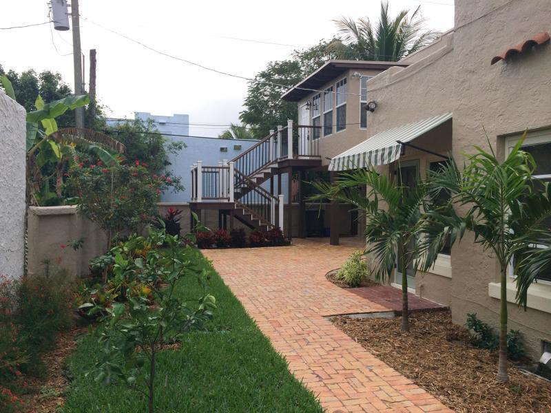 714 Biscayne Drive West Palm Beach, FL 33401 small photo 29