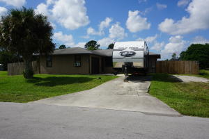 1998 SW Monterrey Lane  For Sale 10662795, FL
