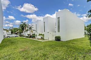 5110  Elmhurst Road E For Sale 10664462, FL