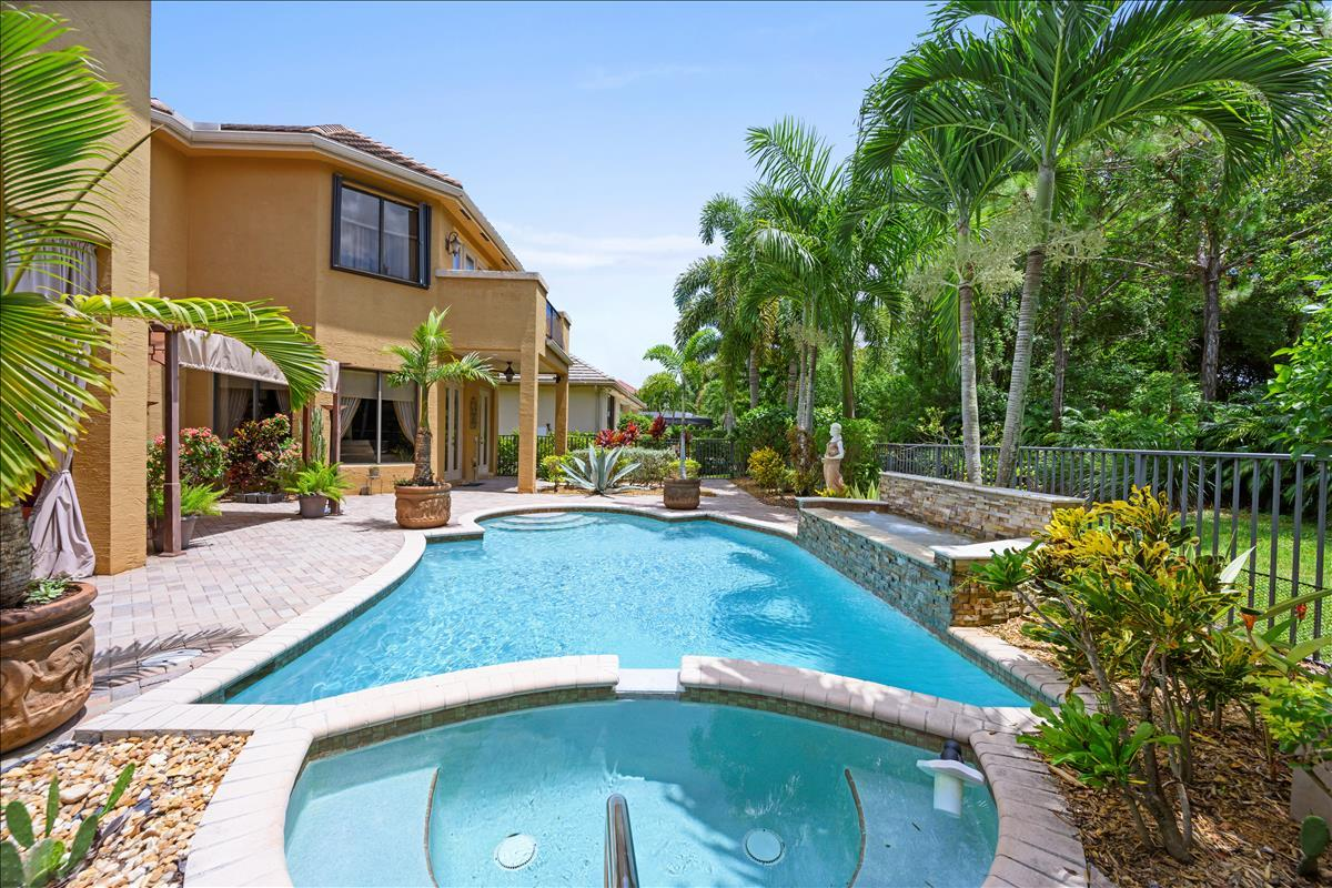 10376 Trianon Place Wellington, FL 33467