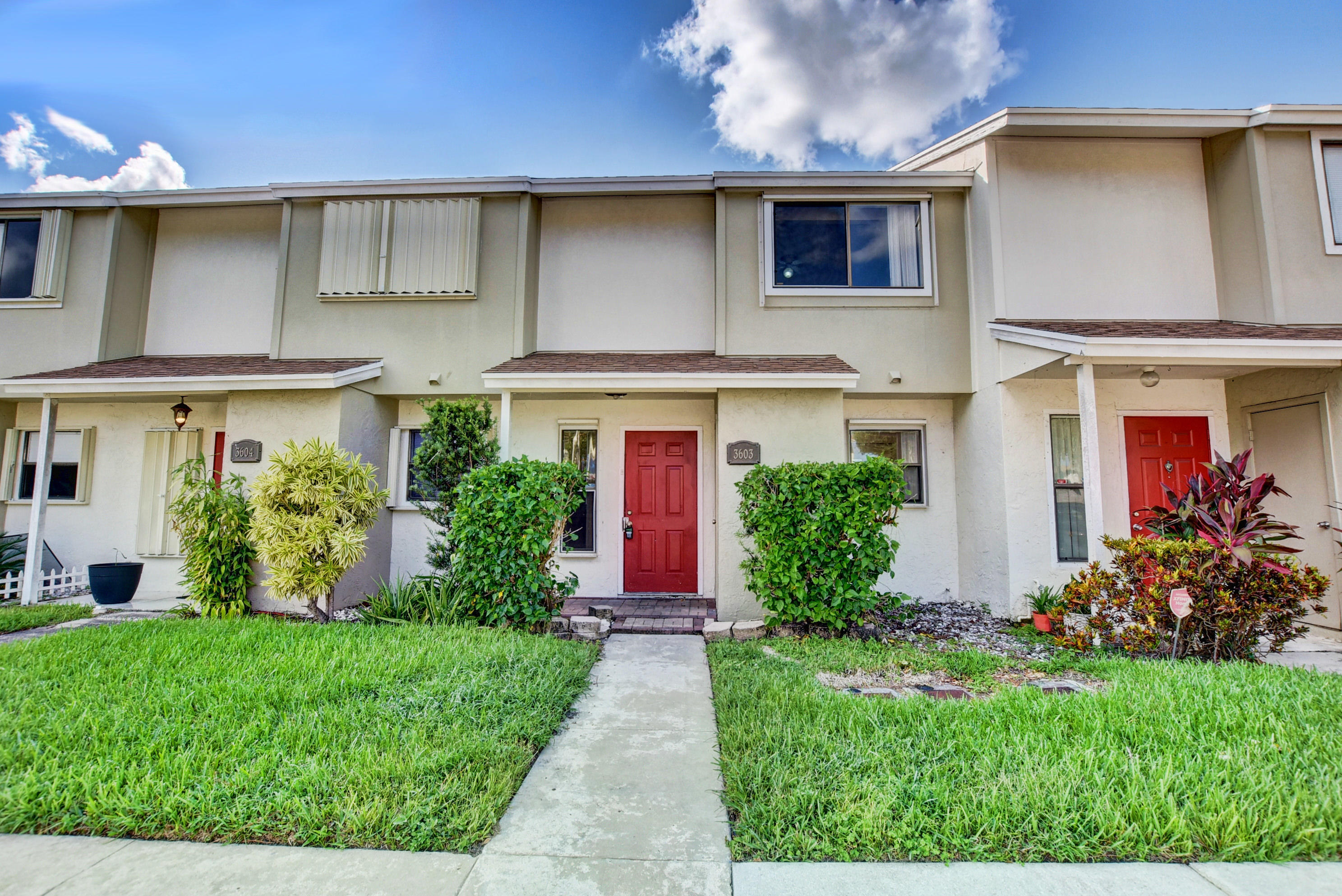 Home for sale in Canalakes Greenacres Florida