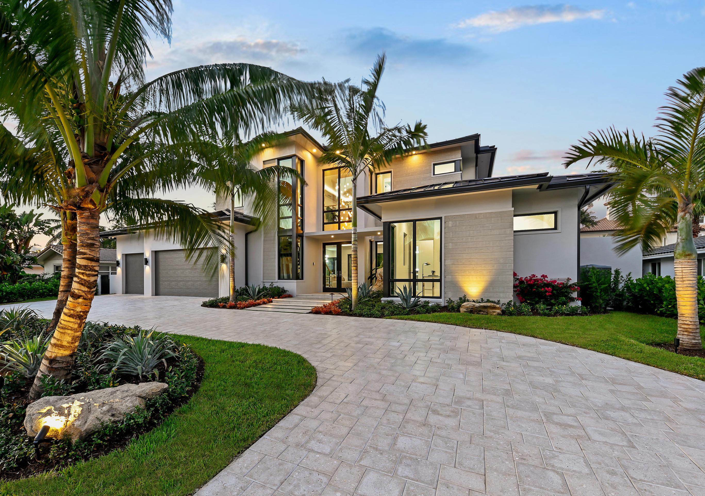 933 Allamanda Drive  Delray Beach, FL 33483