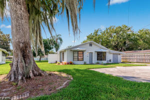 2922 SE 28th Street  For Sale 10663804, FL