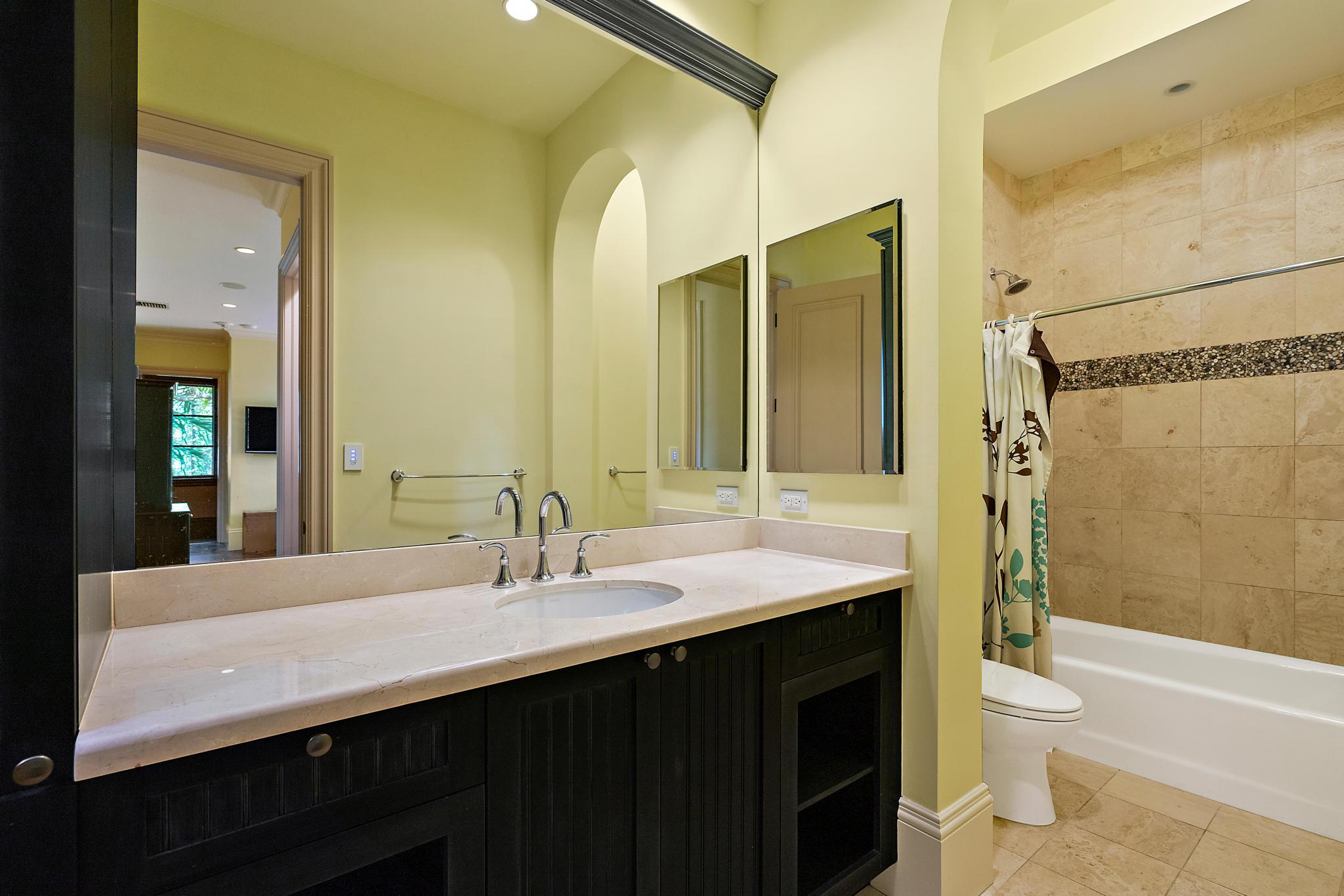 guest house bathroom 1