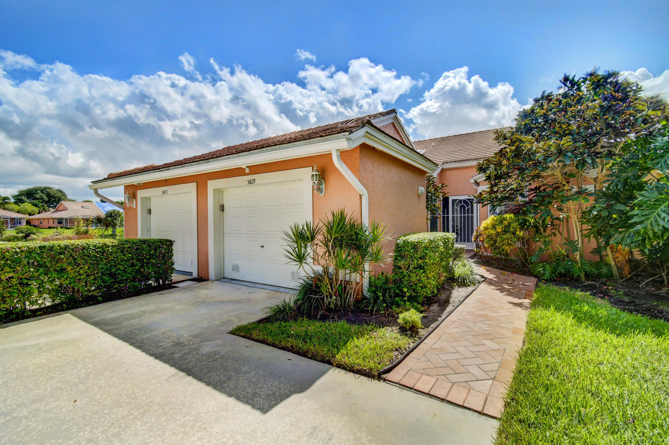 Home for sale in Coral Lakes/royal Landings Boynton Beach Florida