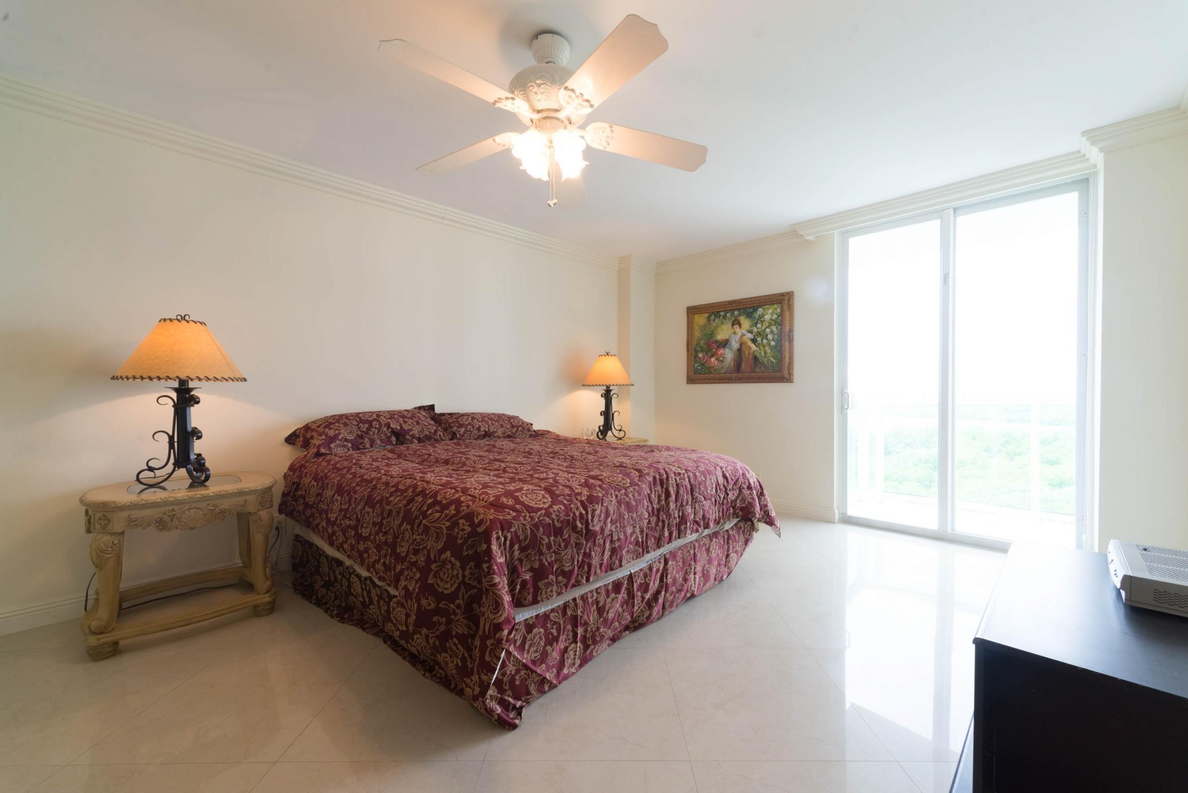 100 Bayview Drive 826 Sunny Isles Beach, FL 33160 photo 10