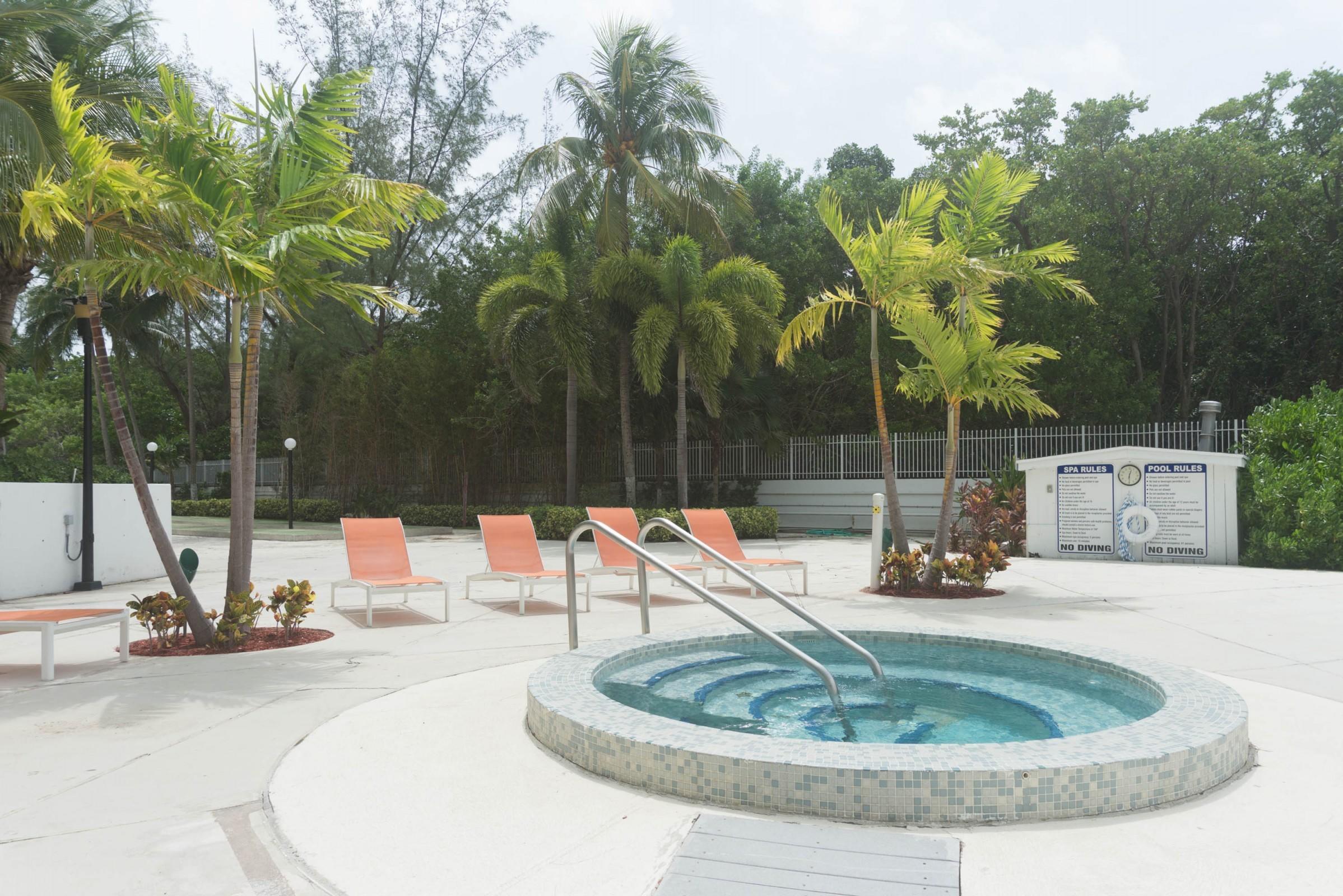 100 Bayview Drive 826 Sunny Isles Beach, FL 33160 photo 28