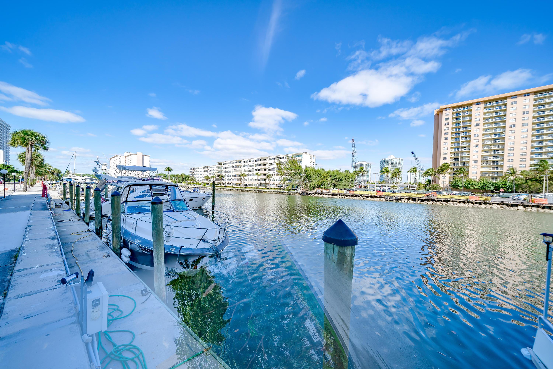 100 Bayview Drive 826 Sunny Isles Beach, FL 33160 photo 37