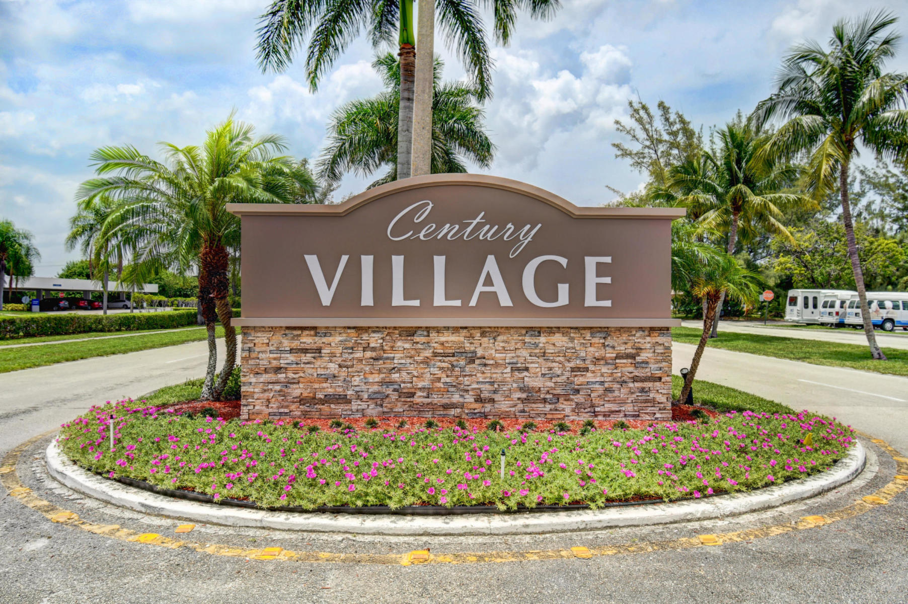 279 Chatham 279 West Palm Beach, FL 33417