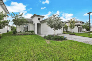3009  Gin Berry Way  For Sale 10663912, FL