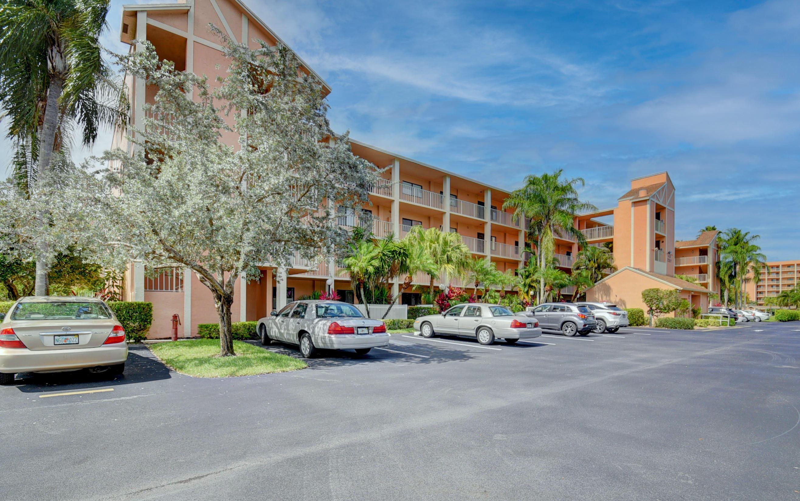 7351 Kinghurst Drive 102  Delray Beach FL 33446
