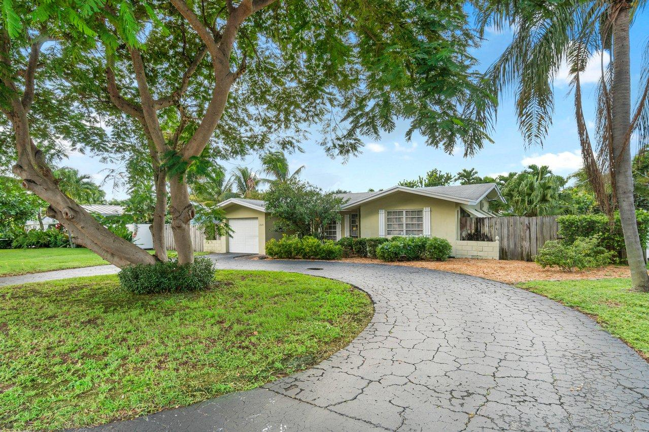 Home for sale in LIGHTHOUSE POINT 5TH SEC Lighthouse Point Florida