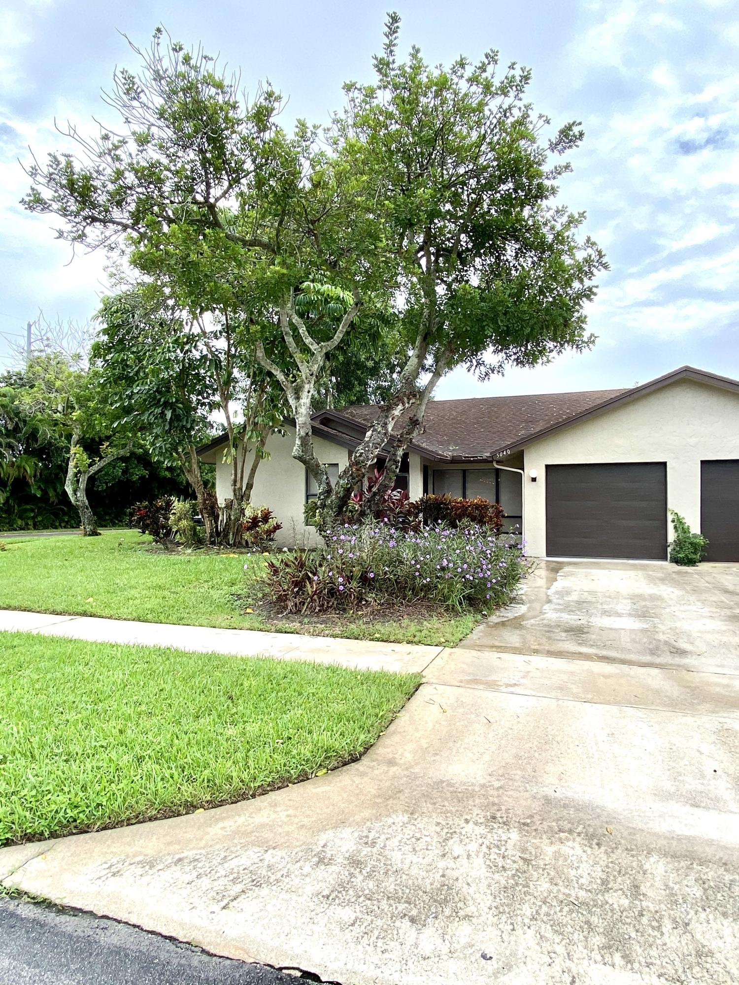 Home for sale in CEDAR POINT 5 Boynton Beach Florida