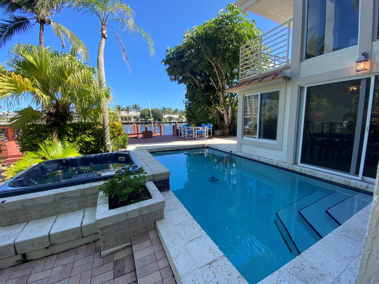 Home for sale in VILLAS SOBRE DEL MAR Delray Beach Florida