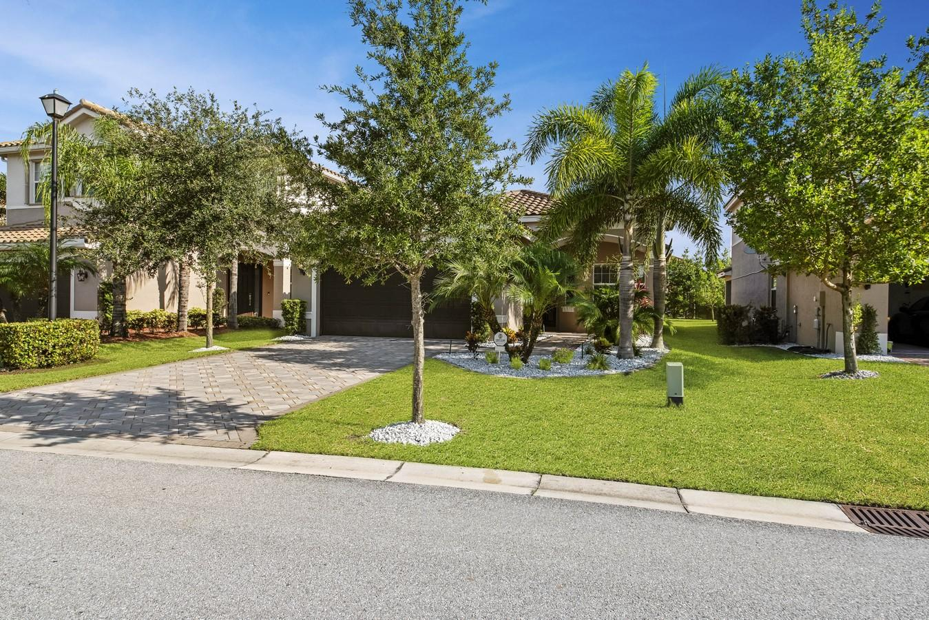 8211 Half Dome Court  Boynton Beach, FL 33473