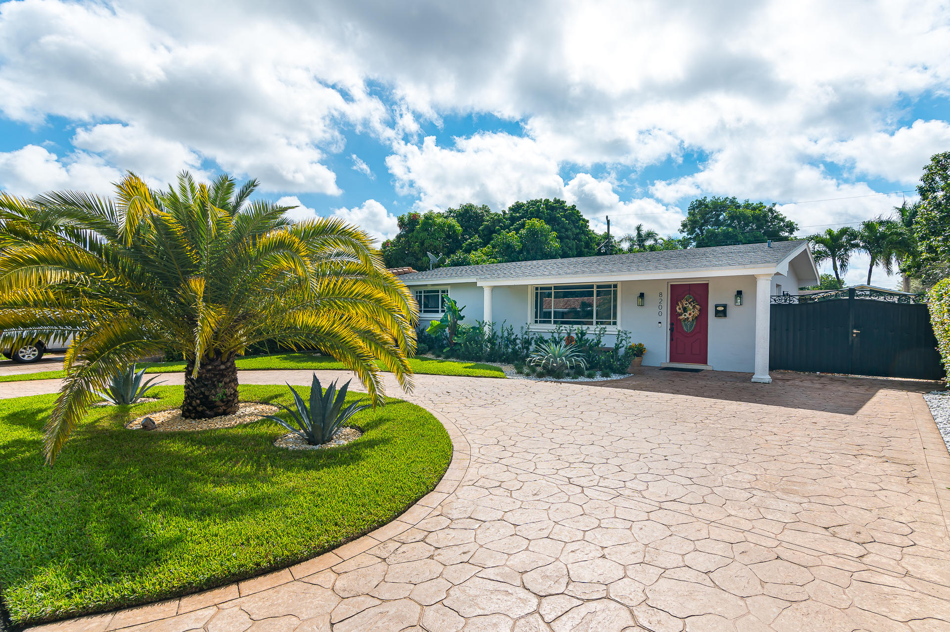 Home for sale in BOULEVARD HEIGHTS SEC 9 Pembroke Pines Florida