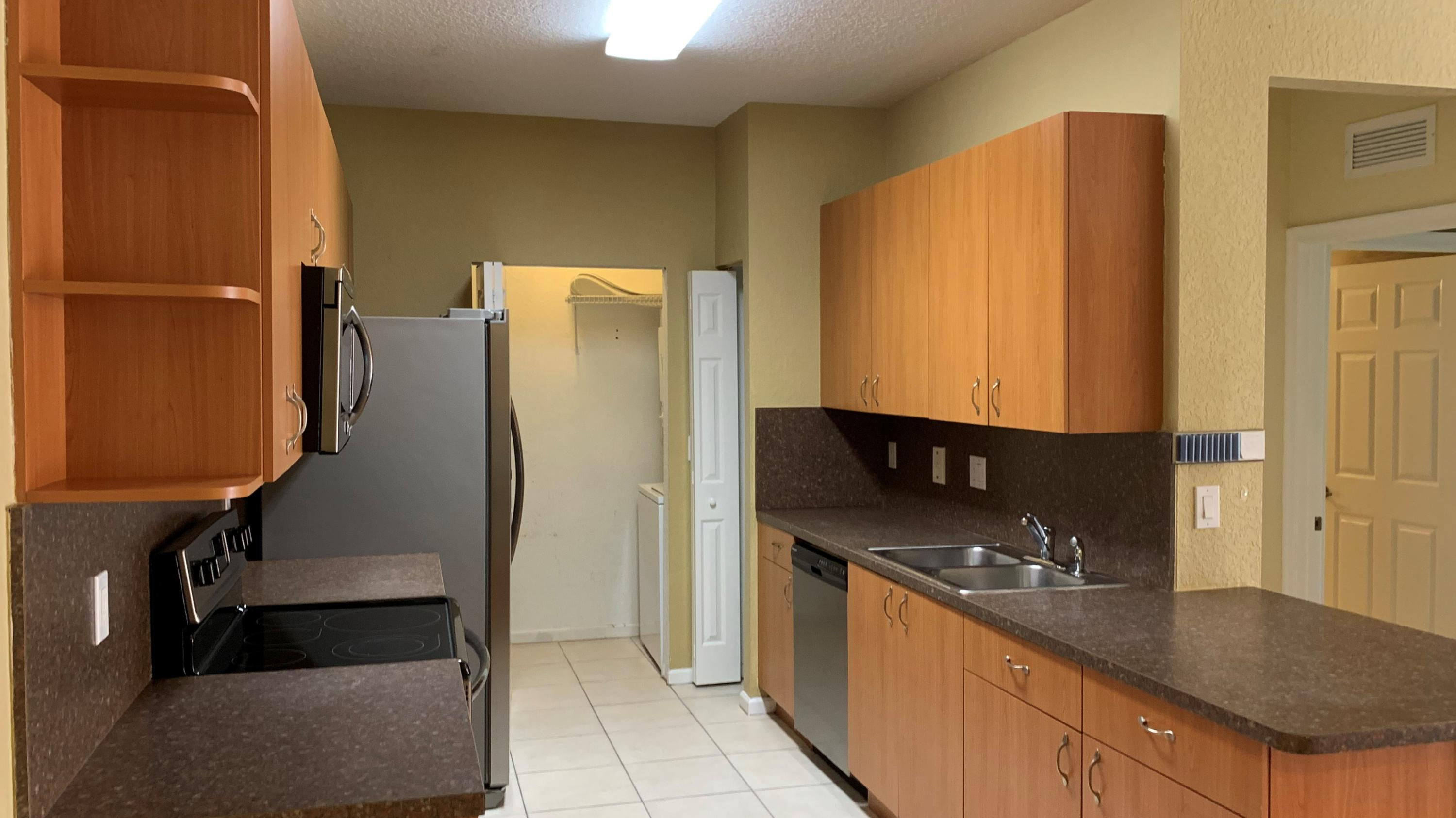 3549 Forest Hill Blvd #17 - 33406 - FL - Palm Springs
