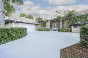 203  Thornton Drive  For Sale 10666715, FL