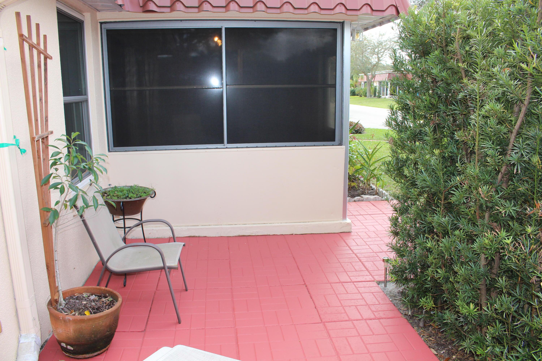725 Nantucket Circle B Lake Worth, FL 33467 photo 3
